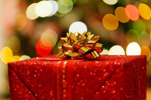 christmas-present-83119_640_edited