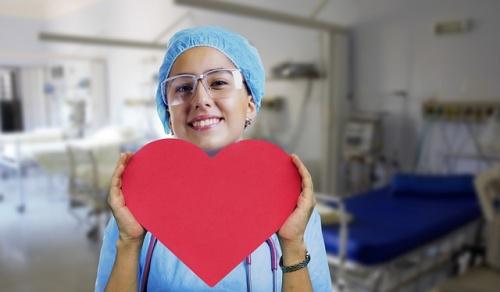 nurse-3624463_640_edited